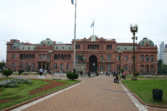 Hotel Lion d'Or: Casa Rosada-without Evita
