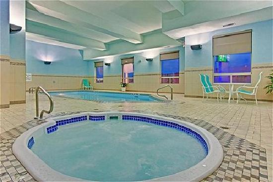 Holiday Inn Express Hotel & Suites Edmonton South: Whirlpool & Pool