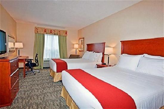 Holiday Inn Express Hotel & Suites Edmonton South: Two Queen Beds - Standard Room