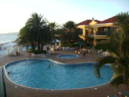 The Royal Sea Aquarium Resort: View of the Pool and Jacuzzi