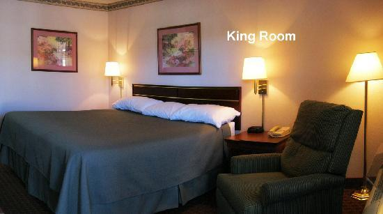 The Briarwood Inn Hotel: King Room