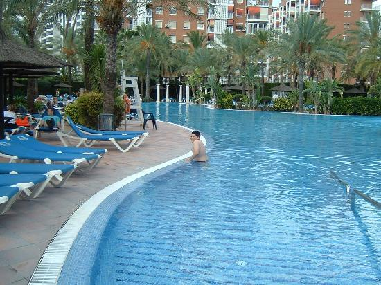 Sol Pelicanos Ocas: another view of main pool