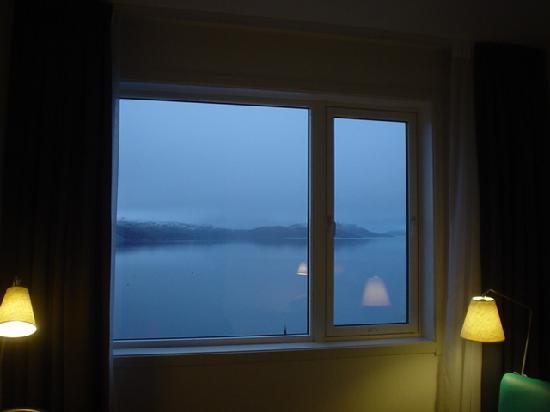 Thon Hotel Kirkenes: view over fjord