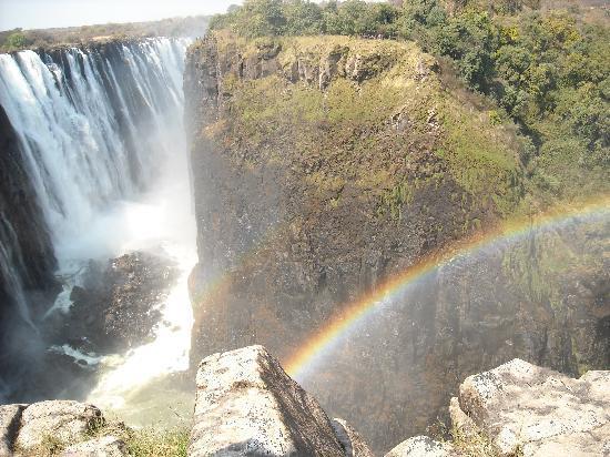 Mosi-oa-Tunya / Victoria Falls National Park: Victoria Falls-Rainbo