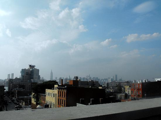 ZIP112 Hostel: View of the Manhattan Skyline from ZIP112 Balcony