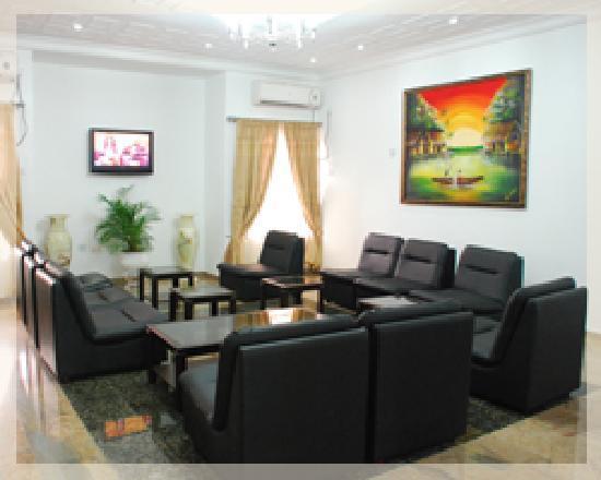 Sinoni Lodge: Main Lounge