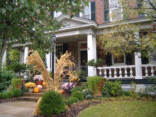 The Kenmore Inn: An Autumn Welcome