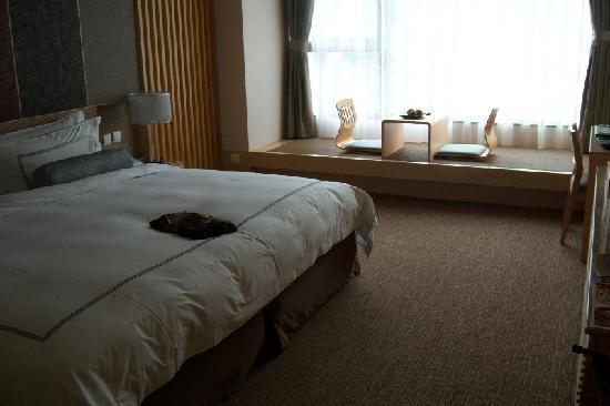 Evergreen Resort Hotel - Jiaosi: Huge comfortable beds