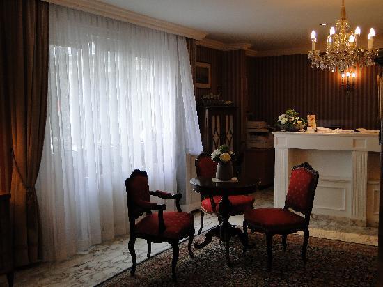 Savoy Hotel Vienna: reception area