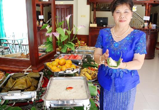 Win Hotel: Lao food