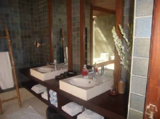 Puri Tupai: Bathroom