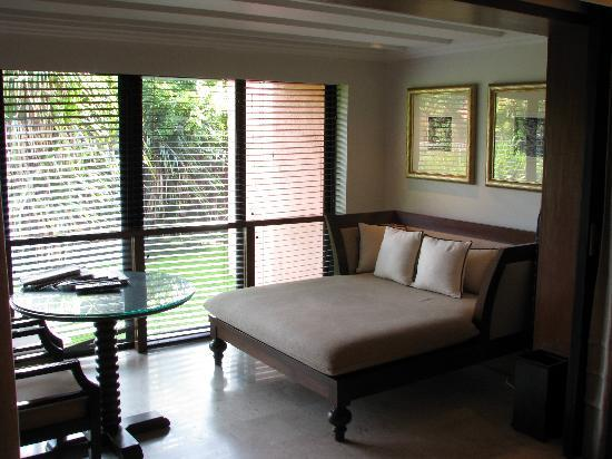 The Leela Goa: lounge area in bedroom