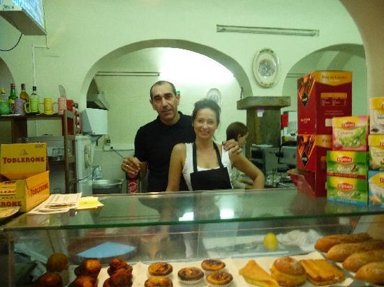 Cafe Paraiso: Edgar and Audra