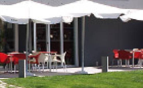 Terraza de verano Hotel Villa de los Arcos