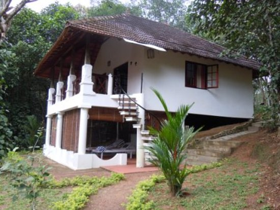 Ponmudi, India: One of the cottages