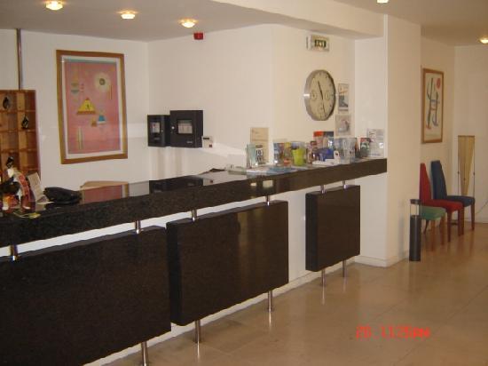 Apartamentos Turisticos Avenue Park: Recepção
