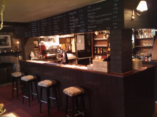 The Radnor Arms: The Bar