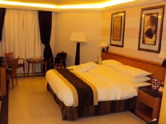 Ramada Qurum Beach: Room 1