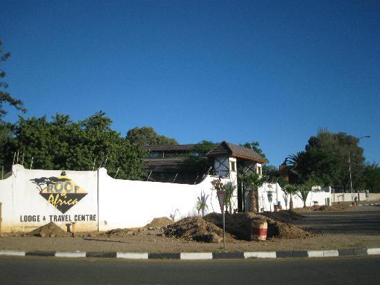 Roof of Africa Hotel: Front entrance