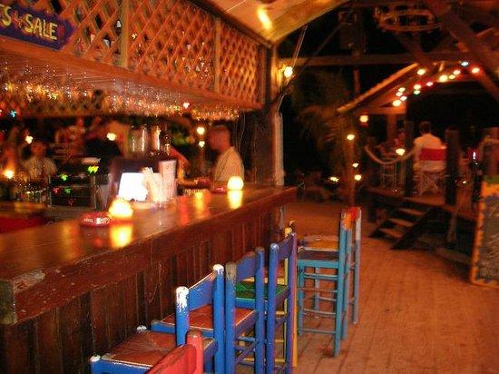 La Plage Hook's Hut : cozy bar