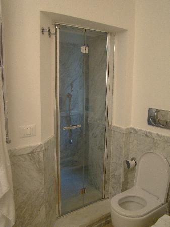 Brera Apartments: douche Brera appartment
