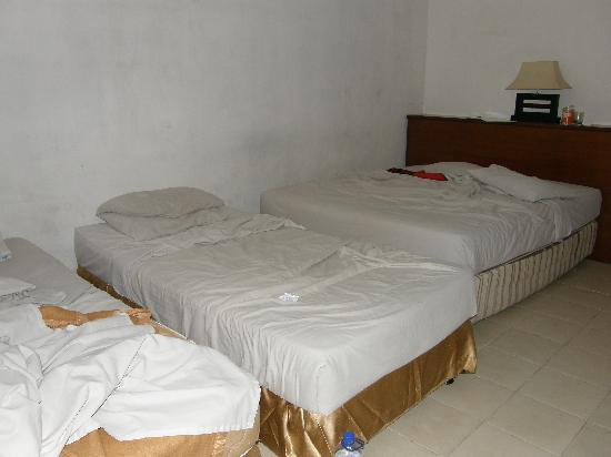 Champlung Mas Hotel: Our room