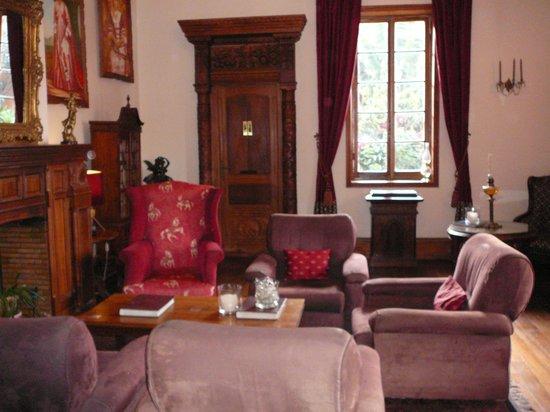 Le Pavillon de l'Emyrne: Sitting room