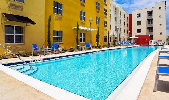 TownePlace Suites Tampa Westshore/Airport: Outdoor Pool