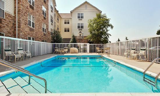 TownePlace Suites Knoxville Cedar Bluff : Outdoor Pool