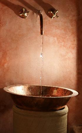 Masriya Mia: lave-mains