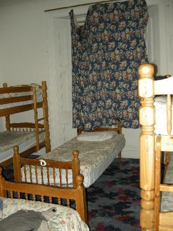 Acacia Hostel: Cortinas...