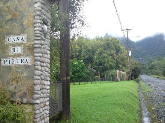 Casa Di Pietra: La entrada