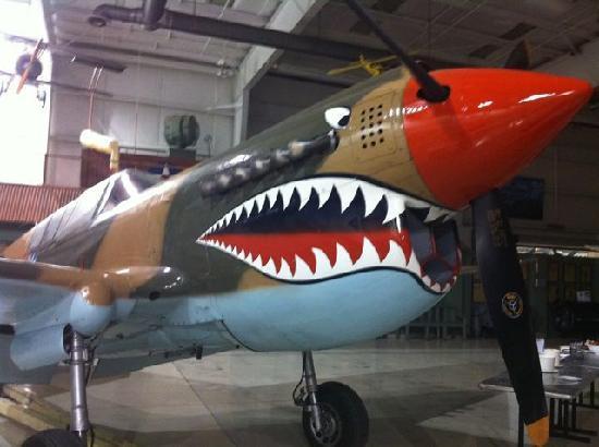 Palm Springs Air Museum : P-40 in Flying Tiger garb