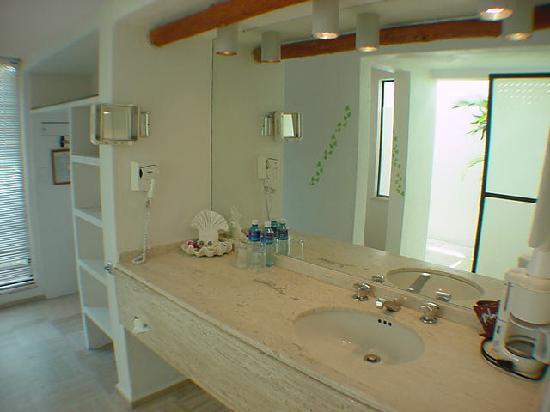 Casa del Mar: baño de una suite