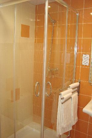 Lisbon City Hotel: Neues Badezimmer