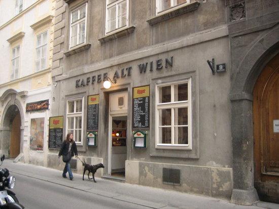 kaffee alt wien vienna old university quarter restaurant reviews phone number photos. Black Bedroom Furniture Sets. Home Design Ideas