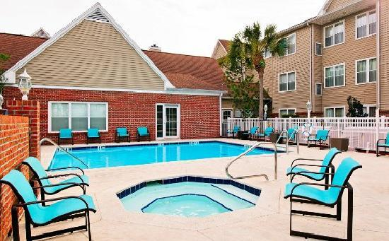 Residence Inn Fort Myers: Outdoor Pool