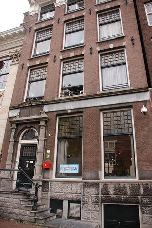 Stayokay Hostel Amsterdam Stadsdoelen: Frente