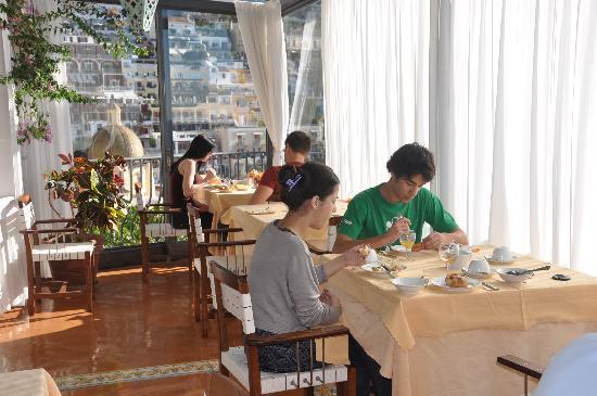 Hotel Miramare: Salón de desayuno