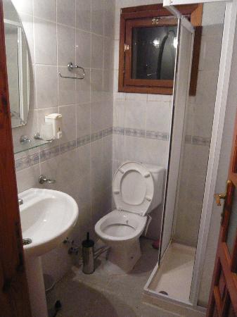 Eflatun Guesthouse Bozcaada: Bathroom
