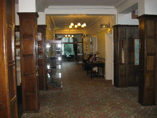 Grange-over-Sands, UK: Main Corridor