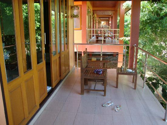 P.S. Villa: entrée de la chambre par le balcon