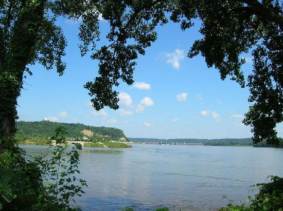 Hilton Garden Inn Dubuque Downtown: Beautiful Mississippi River