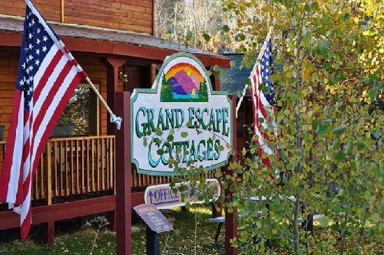Grand Escape Cottages: Front view
