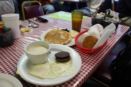 Mountain Lodge Restaurant: Breakfast!