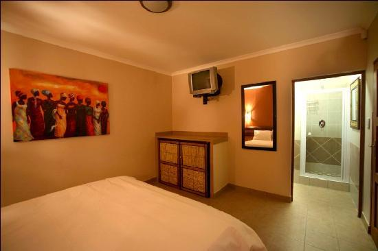 A1 Airport Lodge: Tv's, Microwaves and Fridges in all rooms