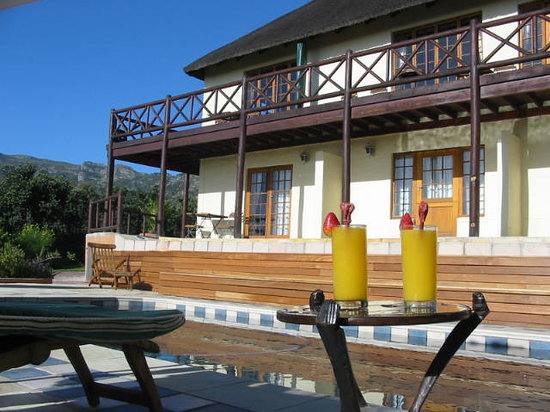 Wild Rose Country Lodge: Front of the House
