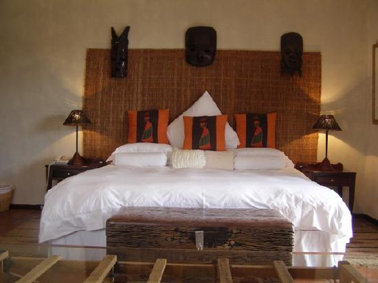 Wild Rose Country Lodge: Bed Room