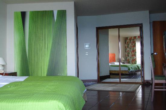 Pestana Ocean Bay Hotel : Bedroom suite 619