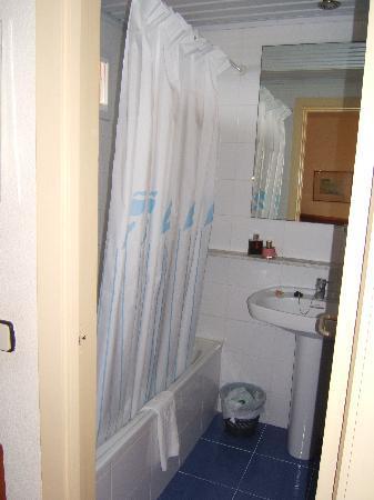 THB Maria Isabel: Baño 1